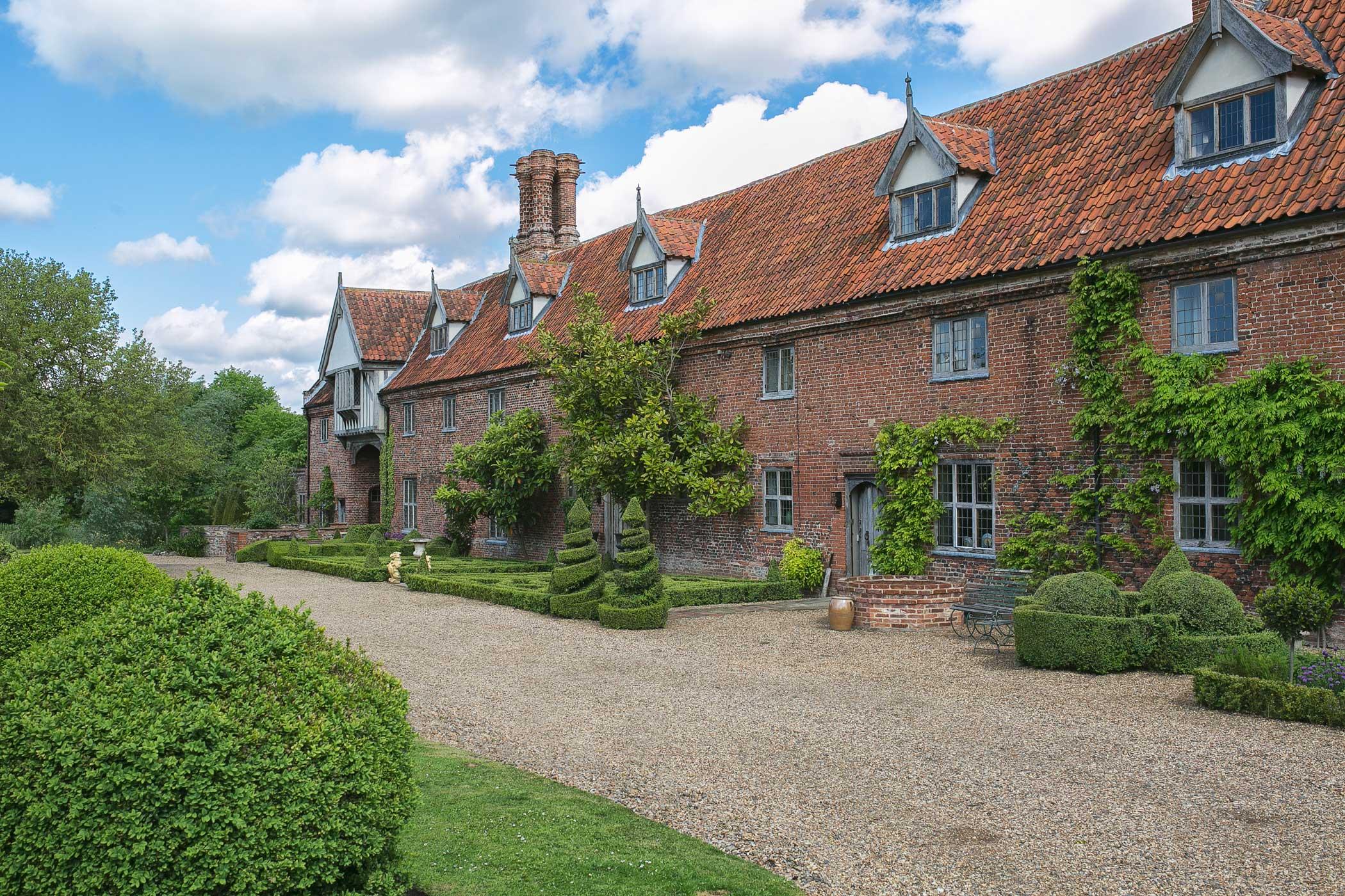 Hales Hall 15th Century Tudor Hall Luxury Norfolk